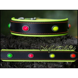 4cm breites Lederhalsband in schwarz / neongelb mit Ovalen in neongrün, neonpink, neongelb und neonorange verstellbar von 34cm - 42cm